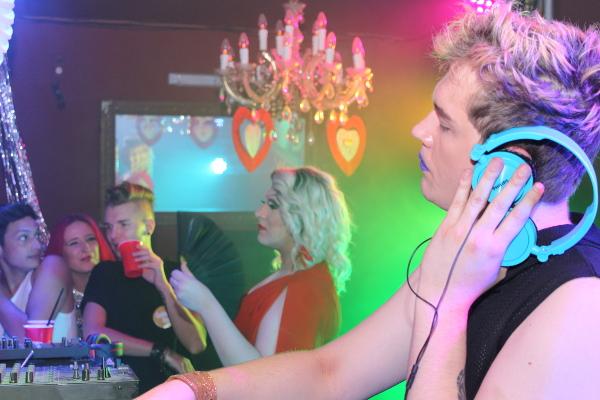 Red Area DJ Gussfehler Robin Eichinger Destiny Drescher sHe Party